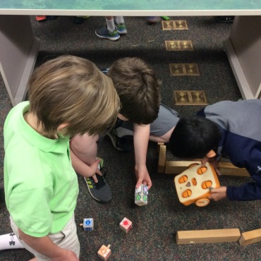 Discovering the new Makerspace robot- Kibo!